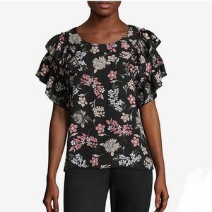 Libby Edelman Short Sleeve Ruffled Plus Size Top